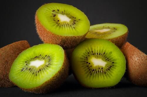 Can You Eat Kiwi Skin: Benefits, Facts and More