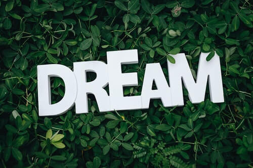 Is Manipulating Your Dreams with Lucid Dreaming Possible?